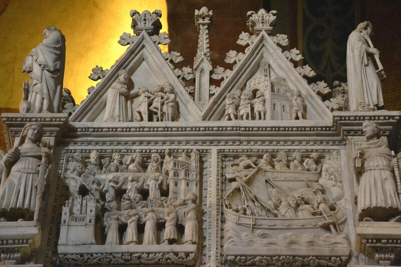 014-перенесение мощей Августина из кальяри в Павию.jpg