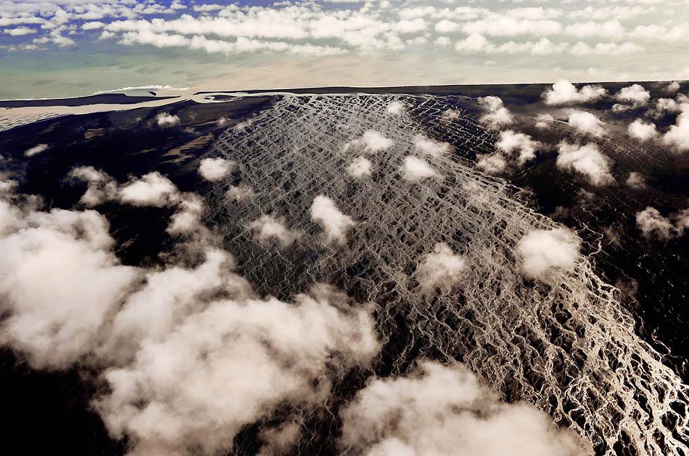 10. Скейдаррсандюр, Исландия. (Sandro Santioli, Solent News & Photo Agency) Напоминаем, что Bigpictu