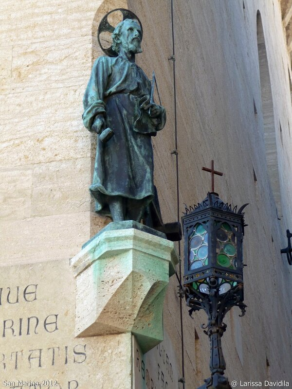 Бронзовая статуя Св. Марина