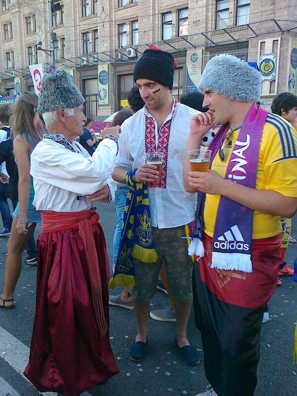 Украинские болельщики Евро 2012 на Крещатике