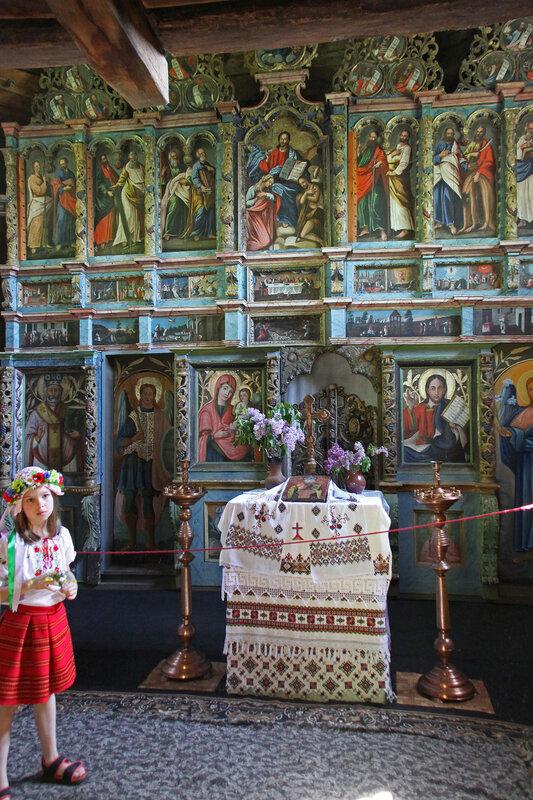 Иконостас церкви Святого Николая