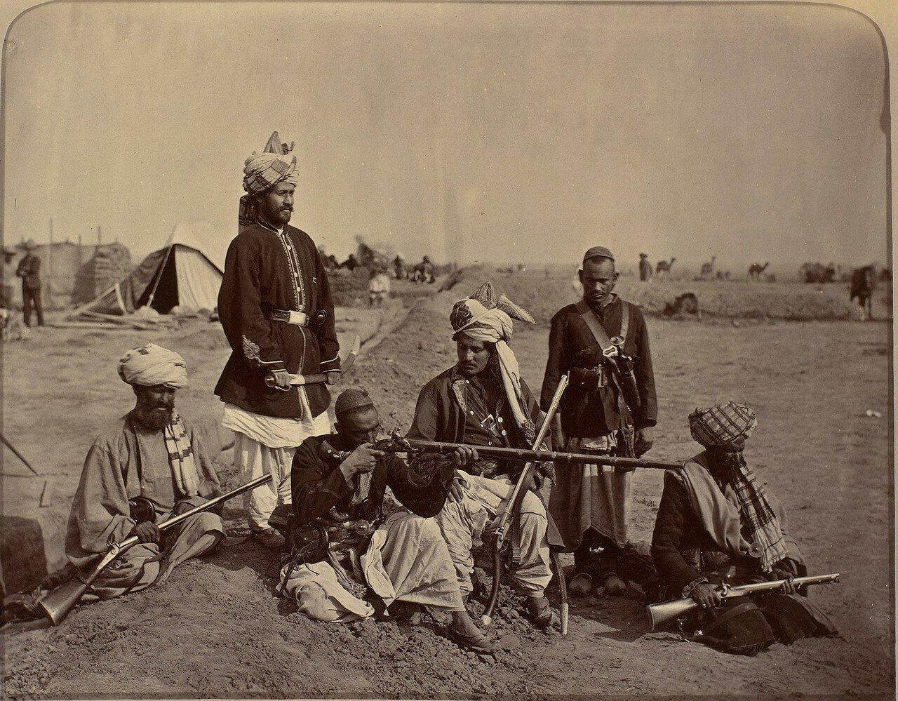 Группа афганцев