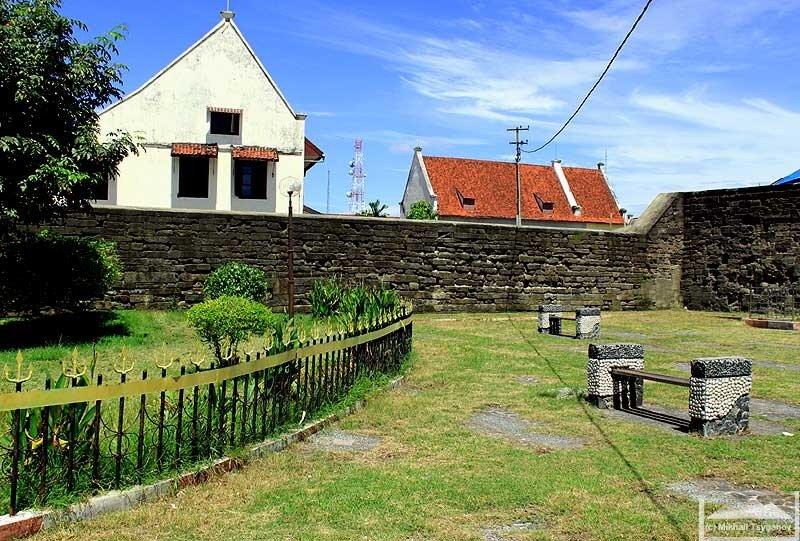 Форт Роттердам (Макассар)