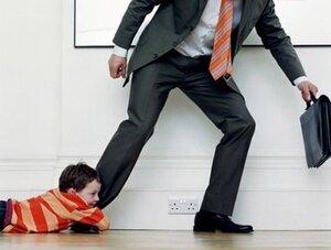 Мужчин обяжут покупать жилье бывшей жене и детям