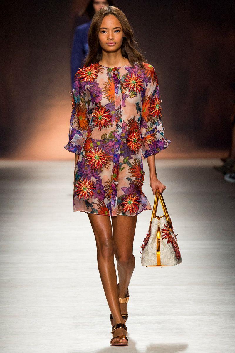 Смотреть платья весна лето