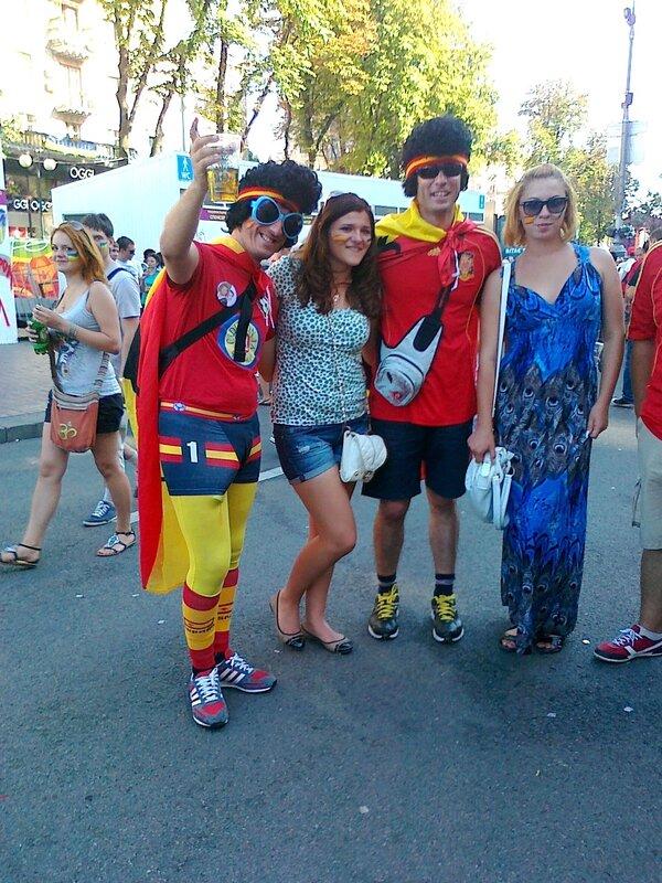 Испанские фаны в Киеве 1 июля