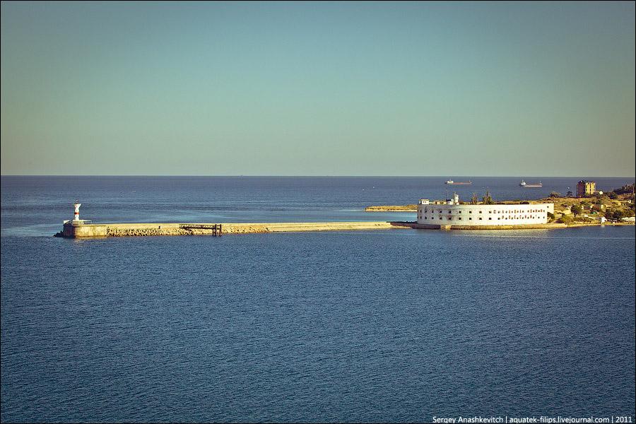 Севастополь и море