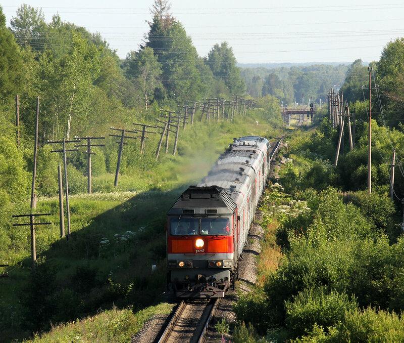 Поезд 87А Питер - Смоленск под тепловозом ТЭП70-0262 на перегоне Ржев-Балтийский - Рождествено