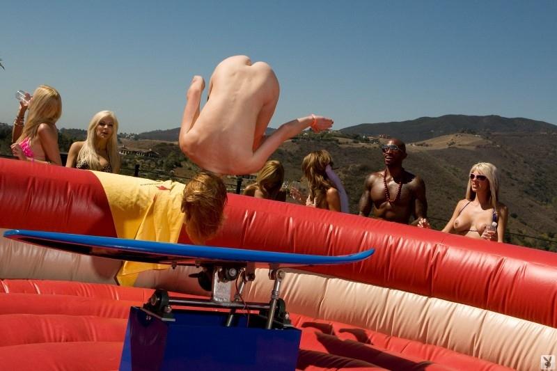 Playboy Beach House Party (74 фото)