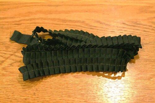 Как украсить маленькое черное платье своими руками