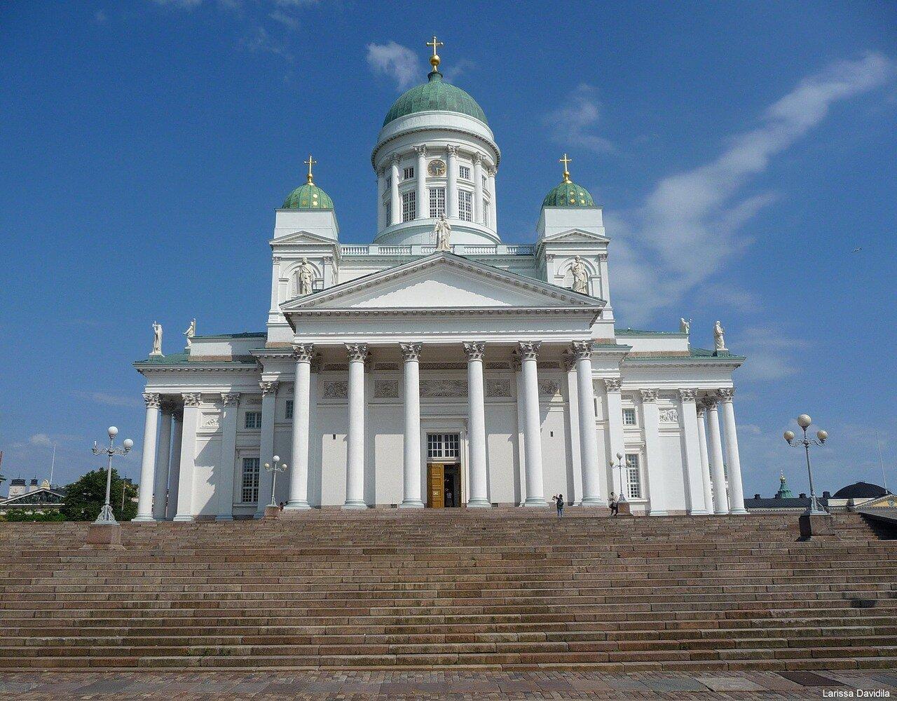 Кафедральный собор Хельсинки. Главный вход.
