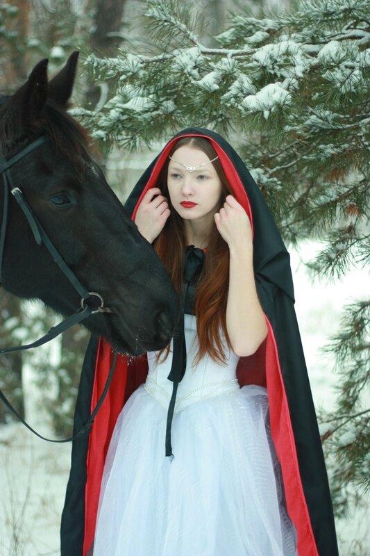 Девушка с кобылой фото 129-833