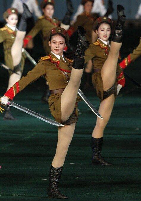 transvestiti-devushki-bolshie-hui
