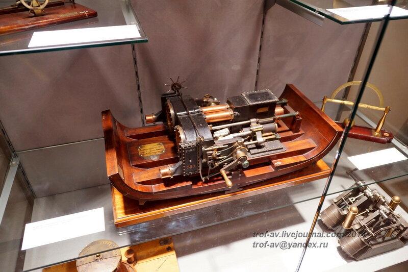 Модель горизонтальной паровой машины винтового клипера Гайдамак, Центральный военно-морской музей, Санкт-Петербург