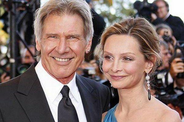 Харрисон Форд, который был дважды женат, женился на актрисе Калисте Флокхерт в возрасте 61 год!