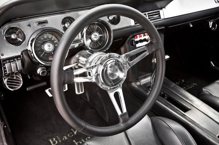 Ford Mustang 1968 с 800-сильным электродвигателем