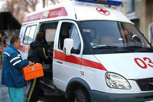 На пляже во Владивостоке неуправляемый микроавтобус задавил мужчину с ребенком
