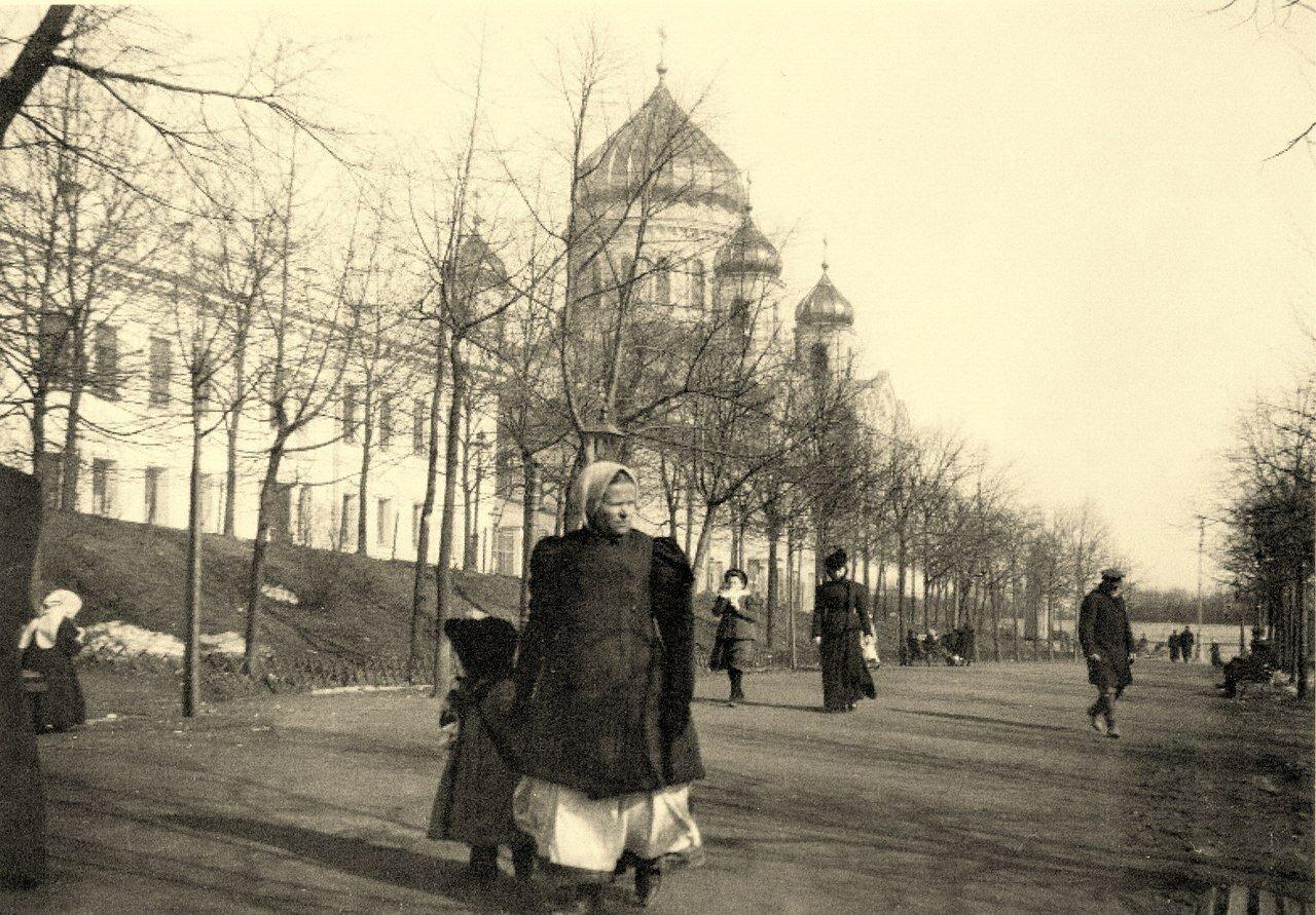 225. Пречистенский бульвар весной.1897