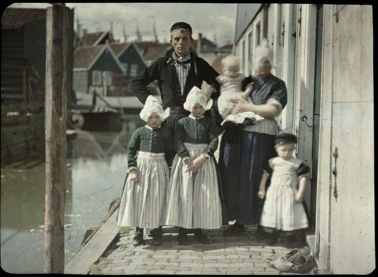 1923. Семья Кес