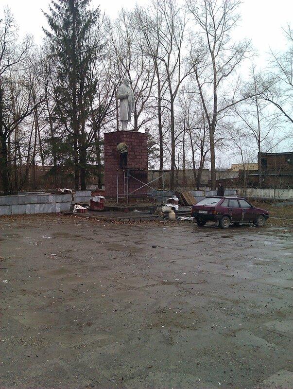 Ленин на ремонте