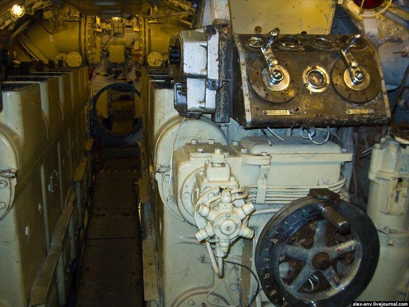 Подводная лодка С-189. Управление дизелями.