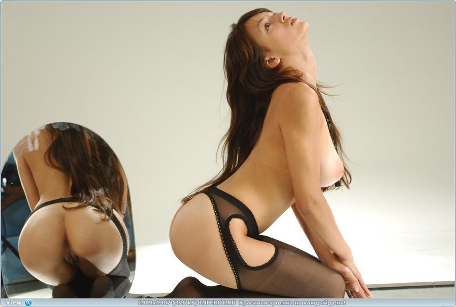 Эротичное отражение (20 фото)
