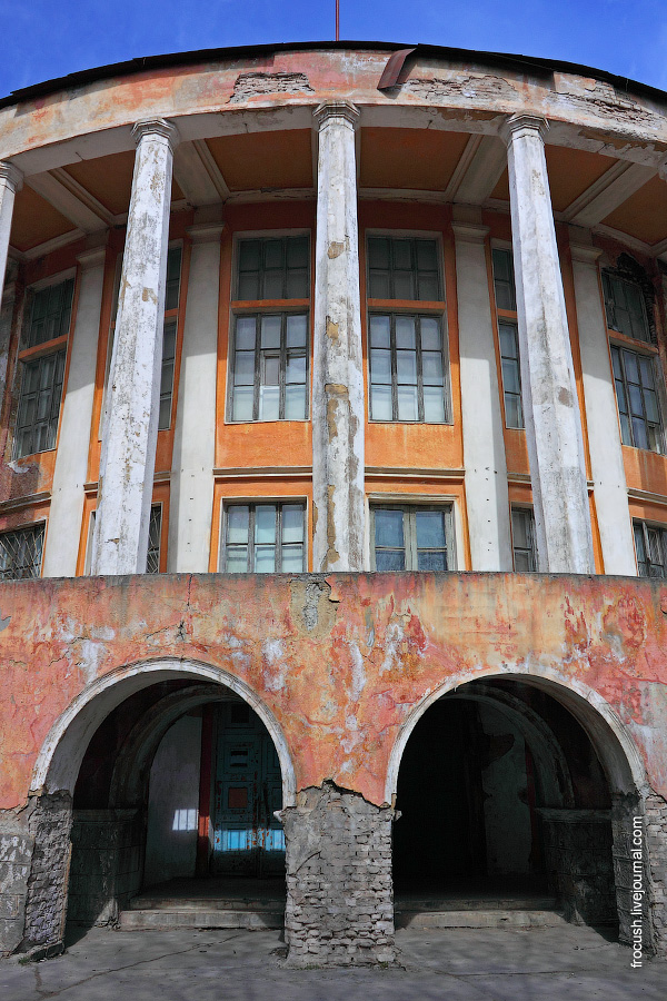 здание речного вокзала Твери