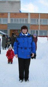 Масленица-2011г. Народ собирается на праздник.