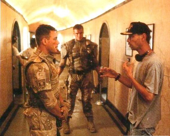 Универсальный солдат - за кадром