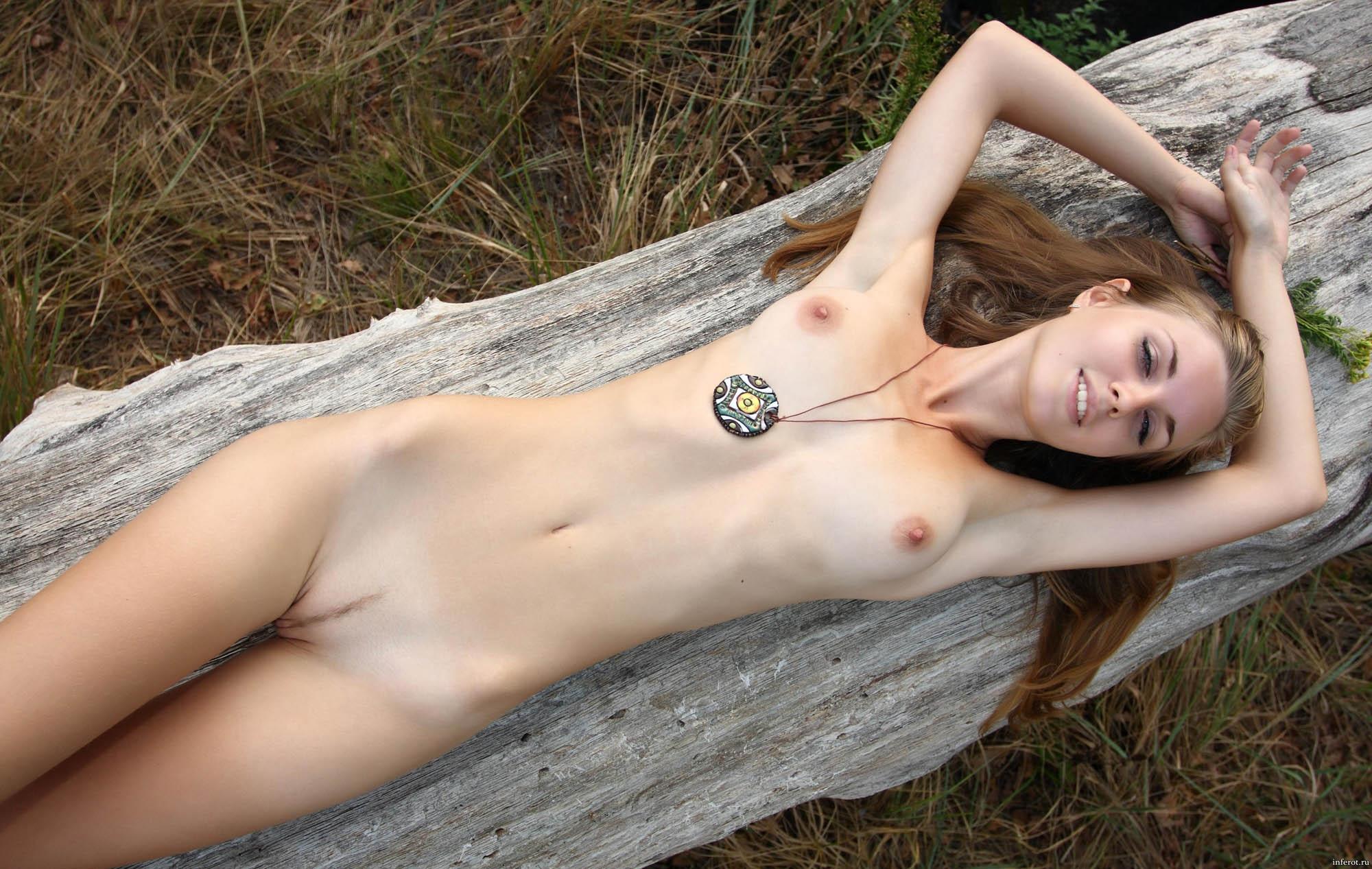 Тощие маленькой грудью 22 фотография