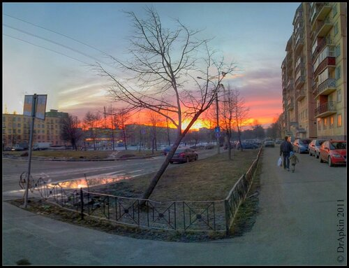 Закат на  Счастливой улице.