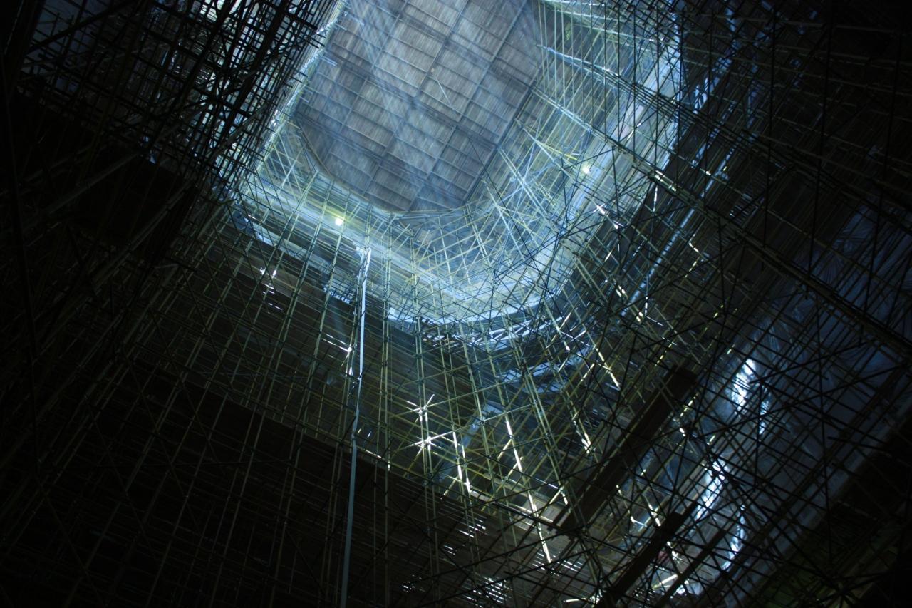 Строительные конструкции внутри храма.