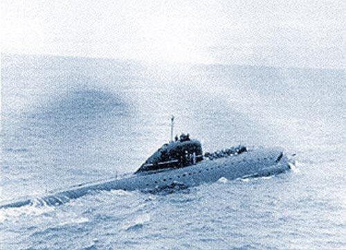 Аварийная лодка к 8 терпит бедствие в