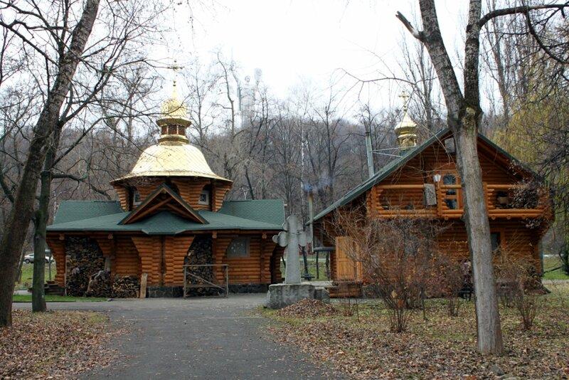 Храм князя Владимира в Наводницком парке