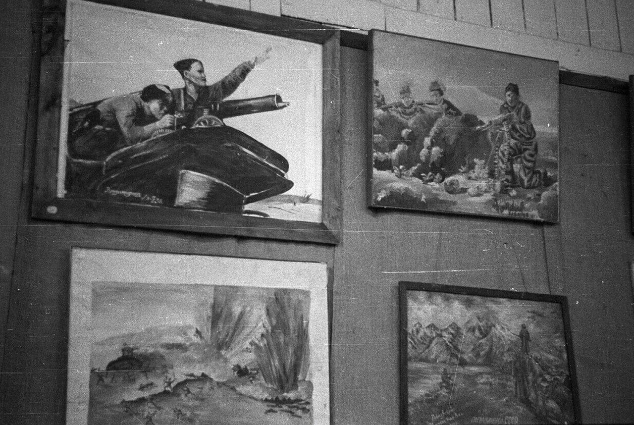 07. Детский городок. База пионеров и школьников.  Фотографии внутри помещения базы