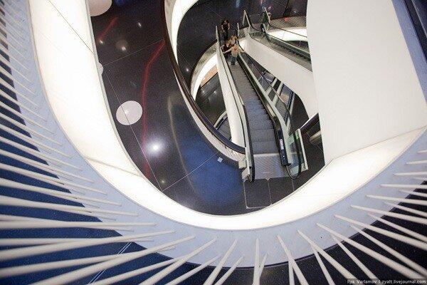 Визуальный аттракцион MyZeil во Франкфурте-на-Майне, Германия. 35 фото + инфо.