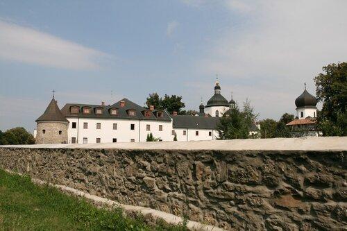 рех≥вський монастир
