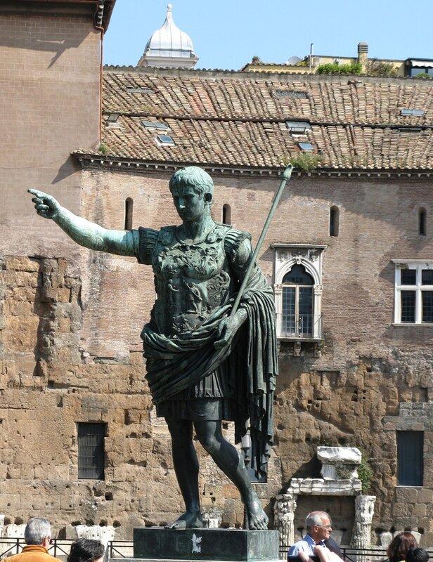 Рим. Форум Августа. Статуя Августа.