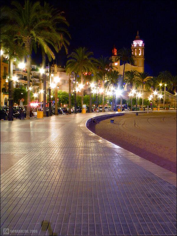 Ночной Ситжес, фотография ночного Ситжеса