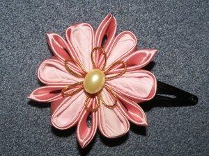 Прекрасные цветы канзаши 0_70fa3_4eb23fd9_M