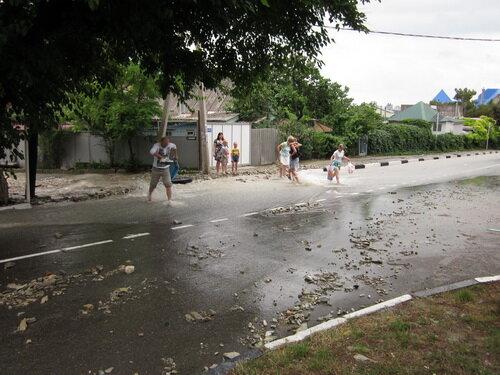 Вода на улицах Геленджика