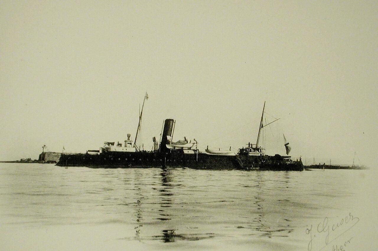 27. Вид канонерской лодки «Грозящий»