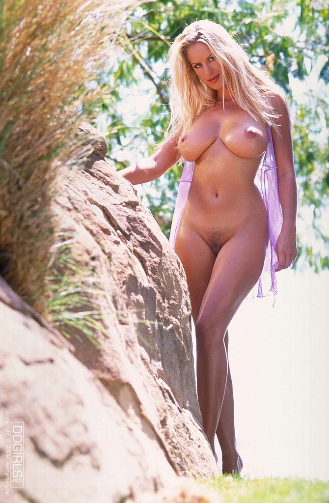 фото голых красивых девушек блондинок с формами
