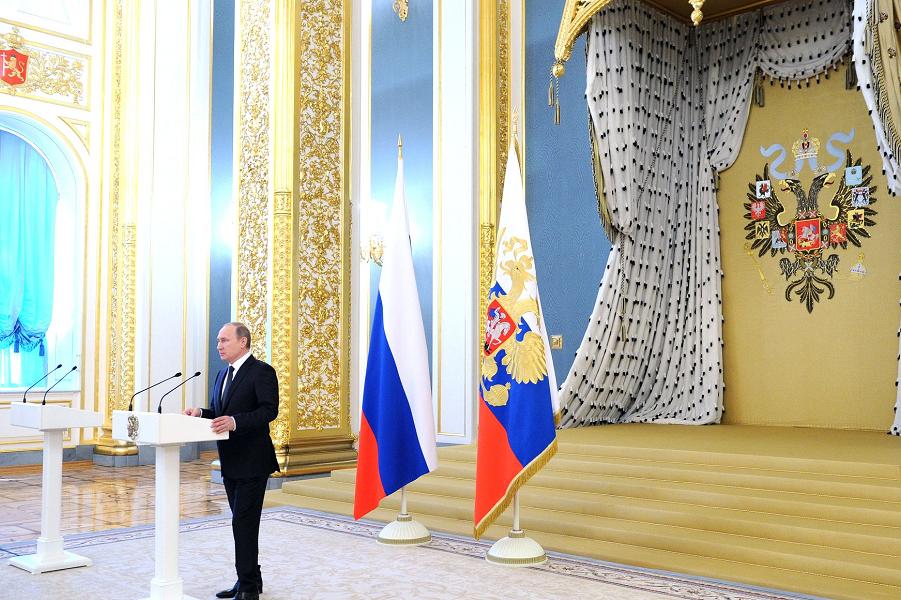 Путин на приеме в честь выпускников ВВУЗов.png