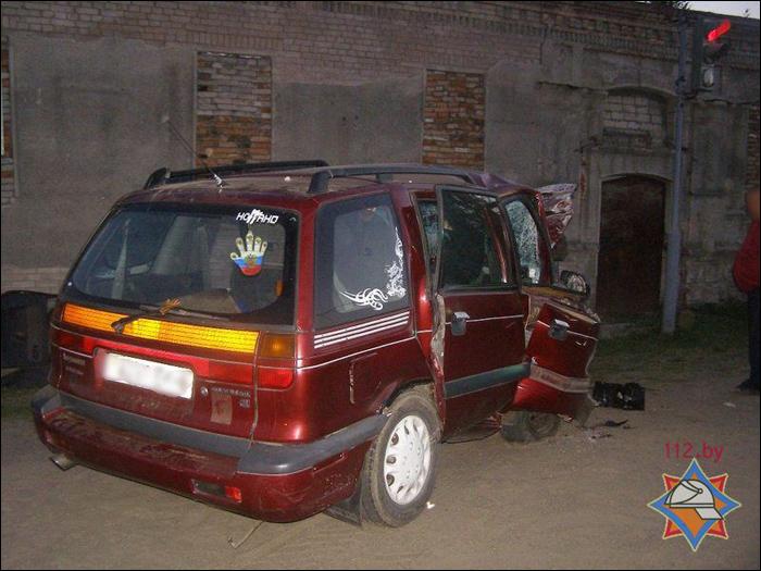 В Костюковичах спасатели деблокировали попавшего в ДТП молодого водителя