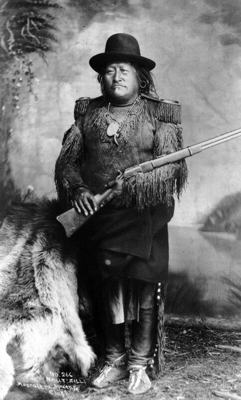 Nallti Zilli, Mescalero Apache chief, between 1880 and 1888