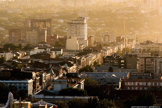 Всего в Ростове было две Садовые улицы — Большая Садовая и Малая Садовая, которые располагались пара
