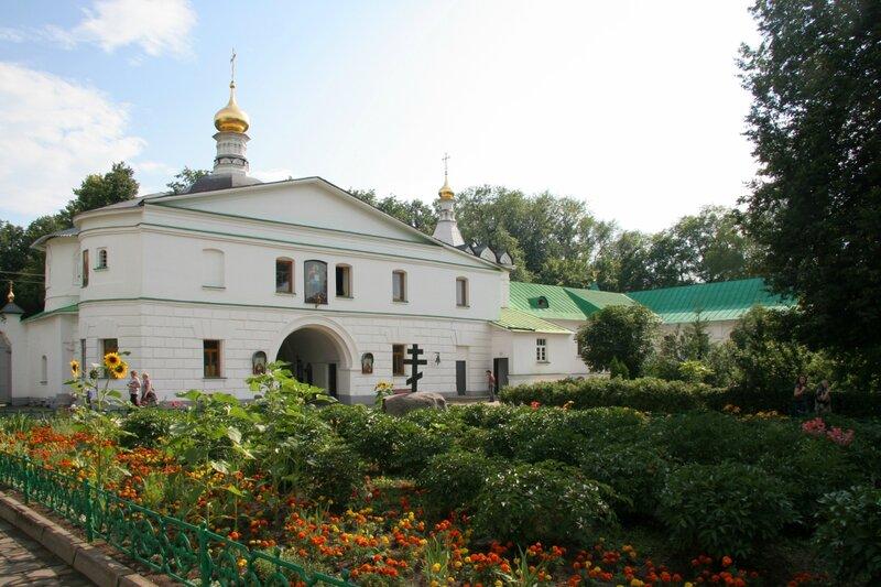 Надвратная часовня Николая Чудотворца в дмитровском Борисоглебском монастыре, Дмитров