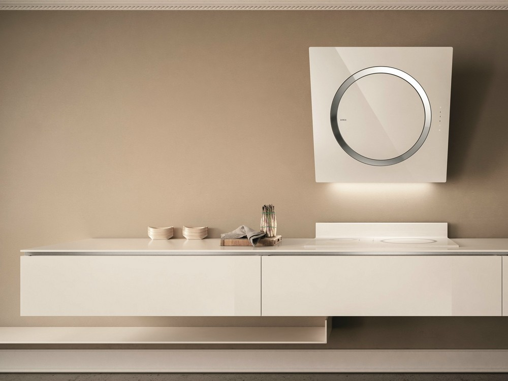 стеклянные вытяжки стильной формы - кухонный дизайн Краснодар