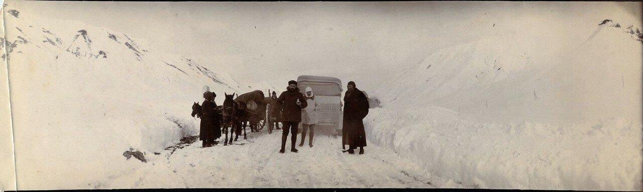 1900. Герцог Орлеанский и доктор Джосеф Рекамье на Кавказе.